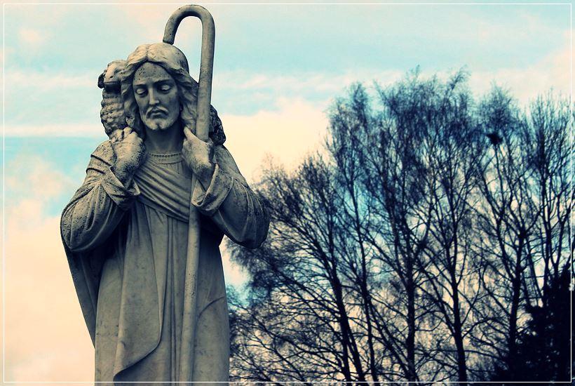 Estatua de Jesús Buen Pastor