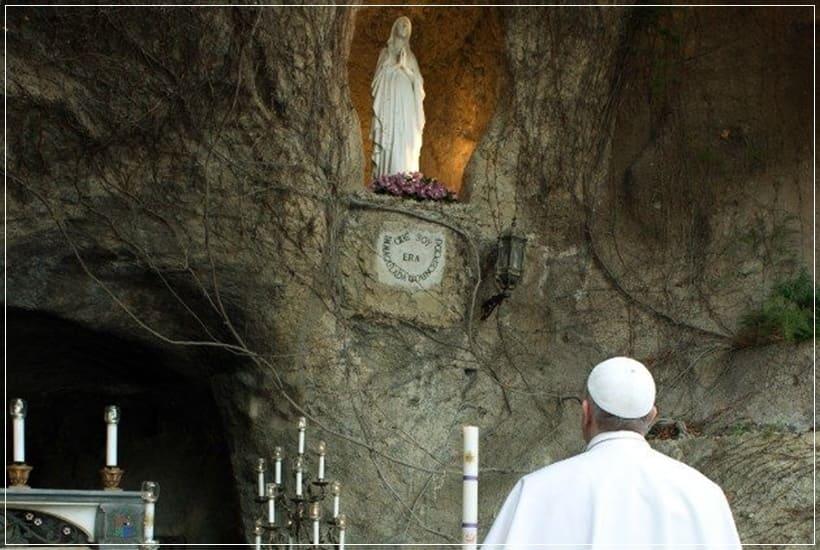 Rezo del Santo Rosario con el Papa 30 de mayo